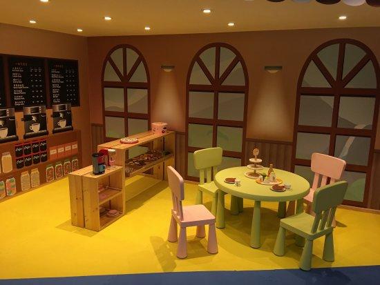 Silks Place Taroko: 這次帶了小孩一起過暑假。才發現這裡很適合小朋友們渡假。酒店也為了孩子們多了很多活動。前二次來,倒都沒有這些遊戲,二個小孩一個4歲,一個2歲。有些遊戲還不是他們可以玩個。建議想帶孩子渡假,太魯閣