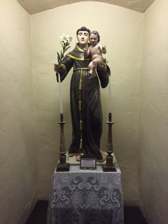 Solvang, Califórnia: St. Anthony with the infant Jesus