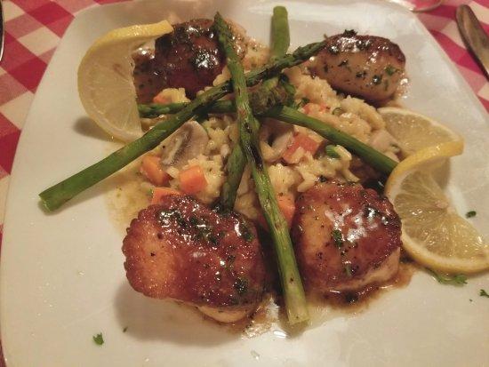 Sag Harbor, NY: Scallops with risotto