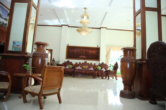 Holiday Hotel: Lobby
