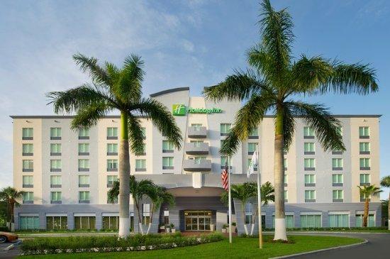 Holiday Inn Miami Doral Hotel Exterior