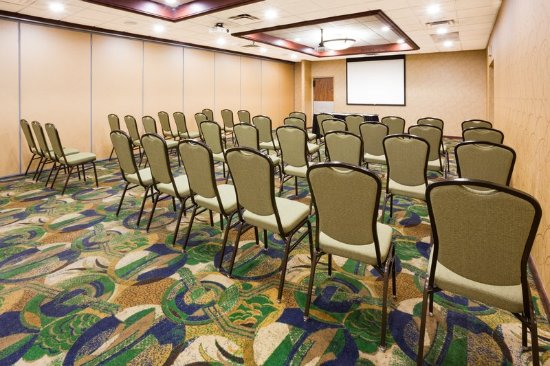 Fairmont, MN: Conference Room