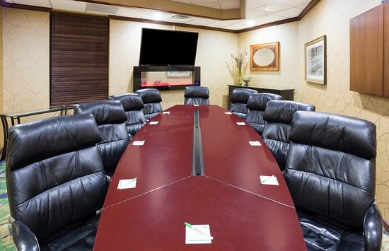 Fairmont, MN: George Meeting Room