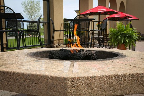 Fairmont, MN: Guest Patio with firepits is a great place to rest and relax.