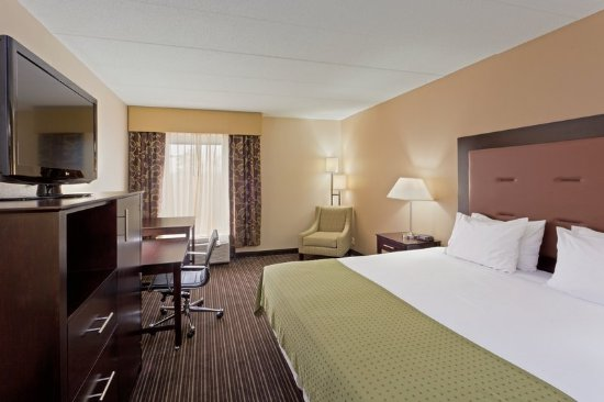 South Charleston, WV: Relax and get some work done in one of our King Executive Suites