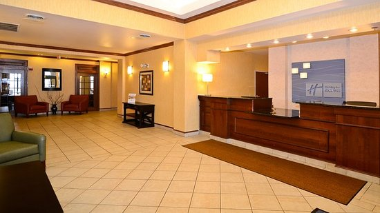 Fort Atkinson, WI: Front Desk