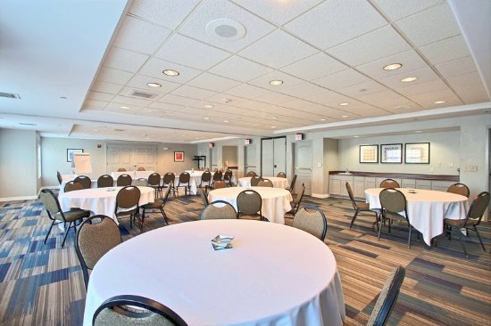 meeting room rental picture of holiday inn express hotel. Black Bedroom Furniture Sets. Home Design Ideas