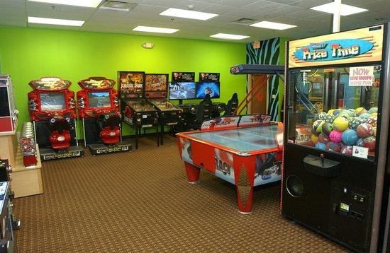 Owatonna, Миннесота: Lion's Den Arcade