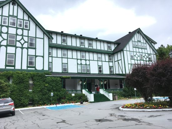 Glynmill Inn: Beautiful old building