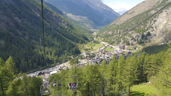 Saas-Almagell, Switzerland: Blick vom Sessellift Furggstalden