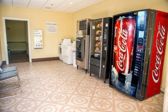 Cocoa, Floryda: Laundry Facility