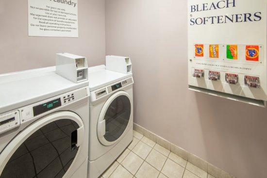 บรุกพาร์ก, โอไฮโอ: Laundry Facility