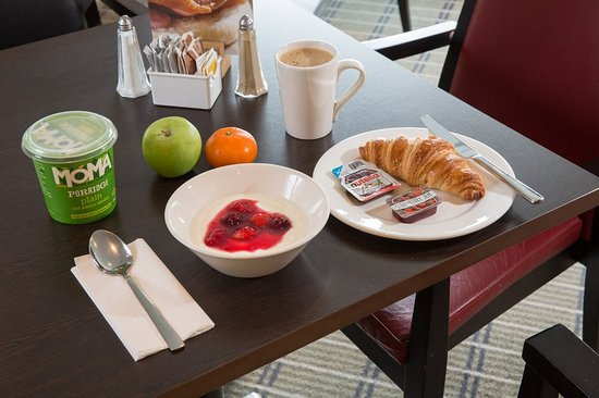 Holiday Inn Express Birmingham NEC: Fuel yourself with some healthy options from our breakfast menu