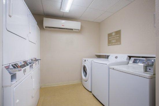 Nogales, Arizona: Laundry Facility