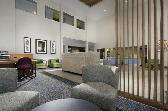 Ruckersville, VA: Enjoy our spacious inviting lobby