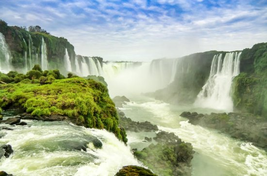 Iguazu Falls Tour, Boat Ride, Train ...