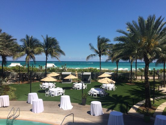 Events Lawn With Private Pool Picture Of Eden Roc Miami