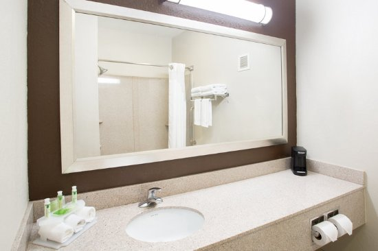 Tell City, IN: Guest Bathroom