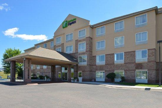 Saint Croix Falls, WI: Hotel Exterior