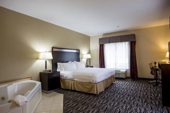 Camden, SC: Guest Room