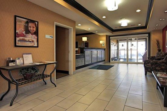 Defiance, OH: Hotel Lobby