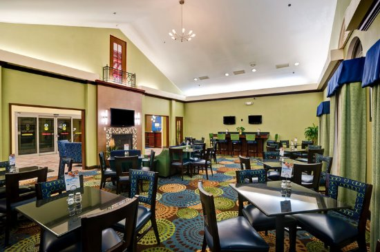 Christiansburg, VA: Relax and enjoy our complimentary hot breakfast every morning.