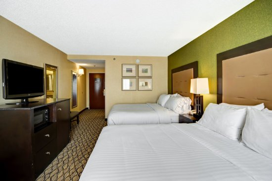 Christiansburg, VA: Relax and unwind in our spacious Double bed rooms.