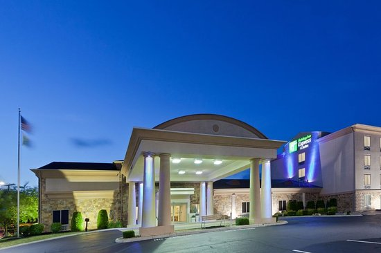Holiday Inn Express & Suites Hotel in Christiansburg Virginia