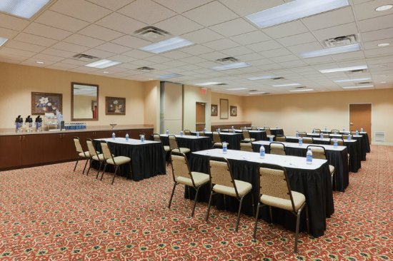 Auburn, AL: We offer meeting facilities with seating for up to 50 guests