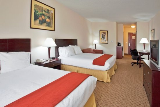 Port Richey, FL: Two Queen Mini Suite