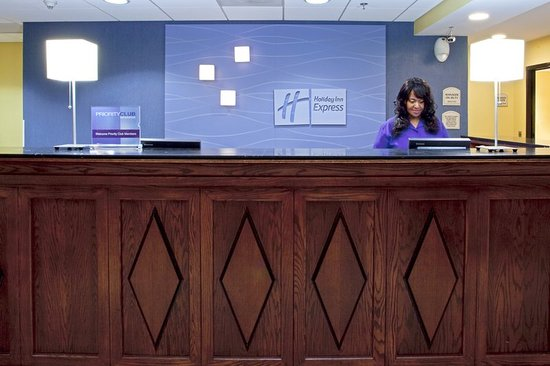 Sandston, Virginie : Our friendly staff is here to serve you!