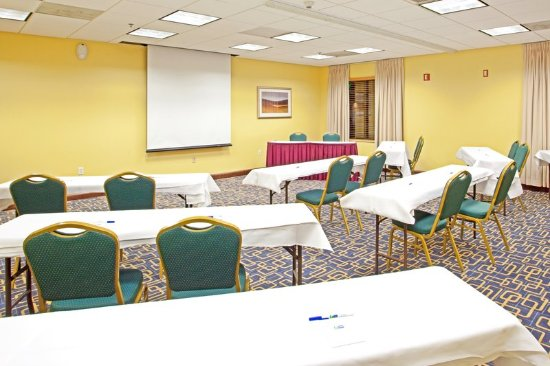 Sandston, VA: Our meeting spaces can accomodate up to 50 people!