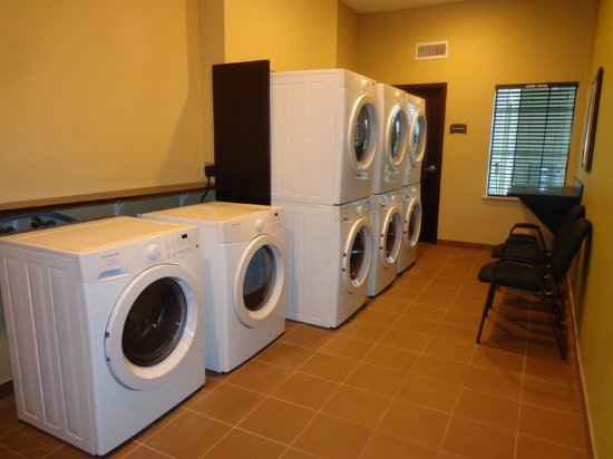 Longview, TX: Laundry Facility