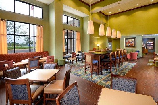 Lynchburg, VA: Breakfast Area