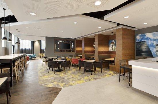 Hampton By Hilton London Docklands Restaurant