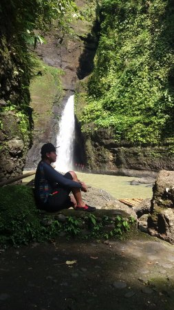 Cavinti, Filippinene: Posing with the falls