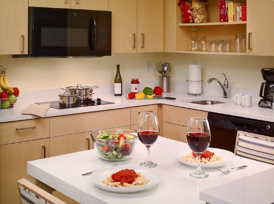 Creve Coeur, Μιζούρι: Fully Equipped Kitchen