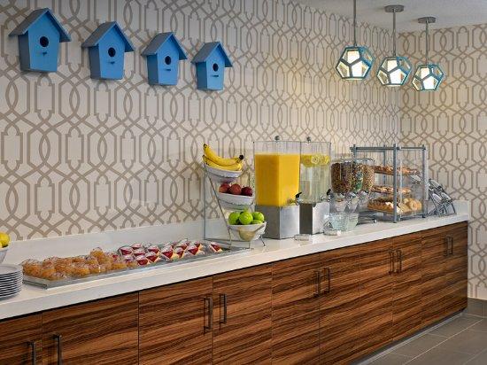 Somers Point, NJ: Breakfast Buffet