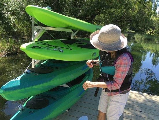 Pine Lodge: Kayak Check Out