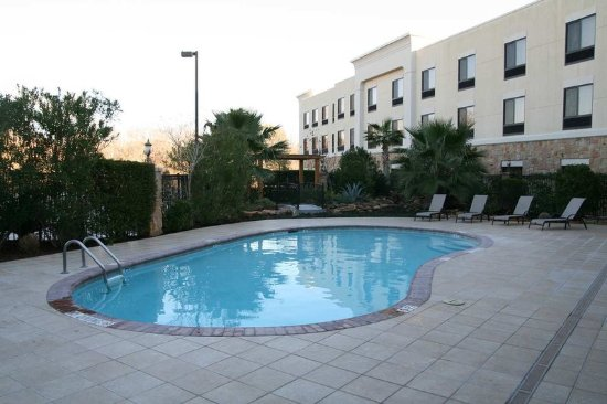 Hampton Inn & Suites College Station / US 6-East Bypass: Outdoor Pool & Whirlpool