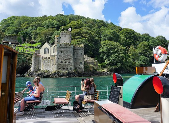 Paddle Steamer Kingswear Castle: The river cruise covers the most interesting part of the river