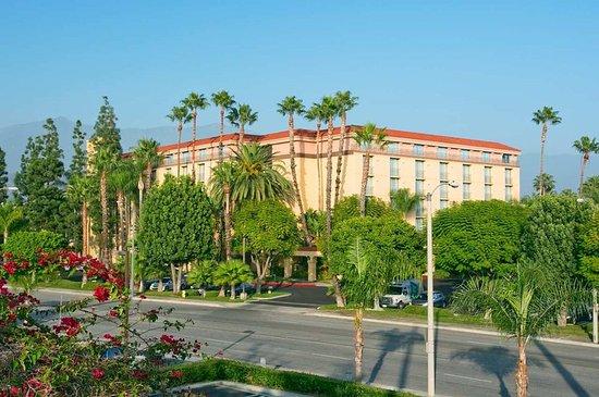 Arcadia, CA: Hotel Exterior