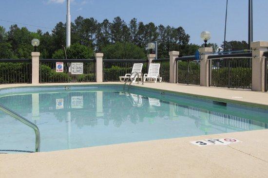Walterboro, SC: Pool