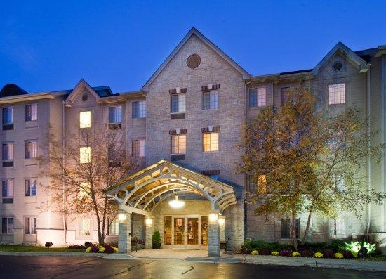 Staybridge suites chicago oakbrook terrace il omd men for 200 royce blvd oakbrook terrace il 60181