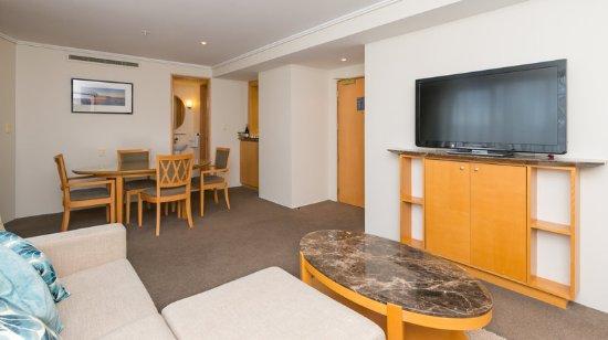 Grand Millennium Auckland: Junior Suite Balcony Lounge