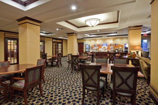 Dothan, AL: Breakfast Bar