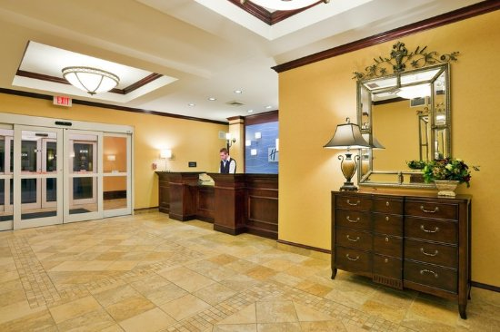 Dothan, AL: Hotel Lobby