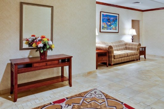 Holiday Inn Express Hotel & Suites Bethlehem Airport - Allentown Area: Hotel Lobby