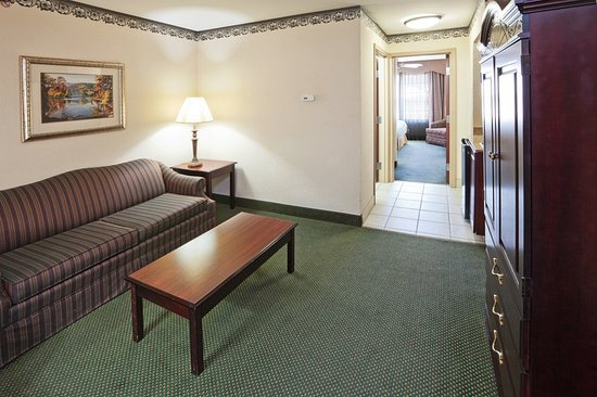 Gainesville, TX: Suite