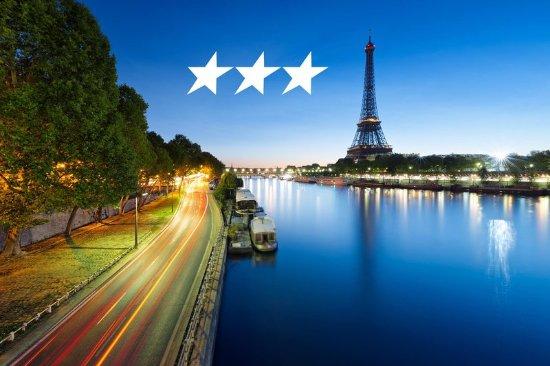 Eiffel Kennedy Hotel: SEINE RIVER & EIFFEL TOWER